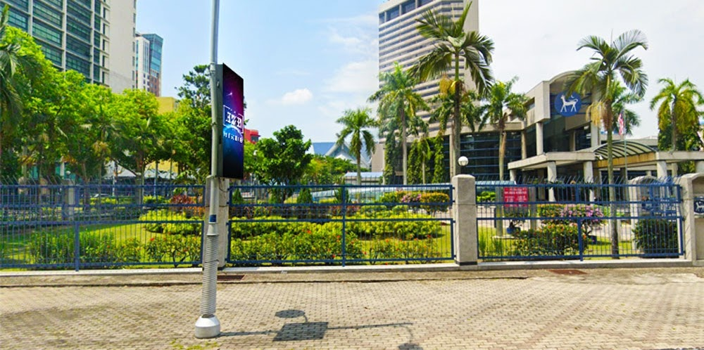 Selangor Road Side Light Pole Digital LED Screen Panel Media Display Board Signage Advertising Malaysia